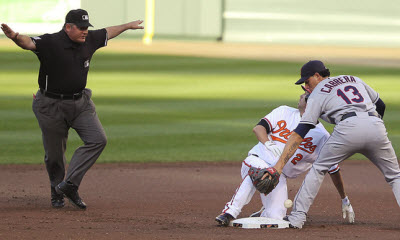 Cleveland Indian shortstop drops ball